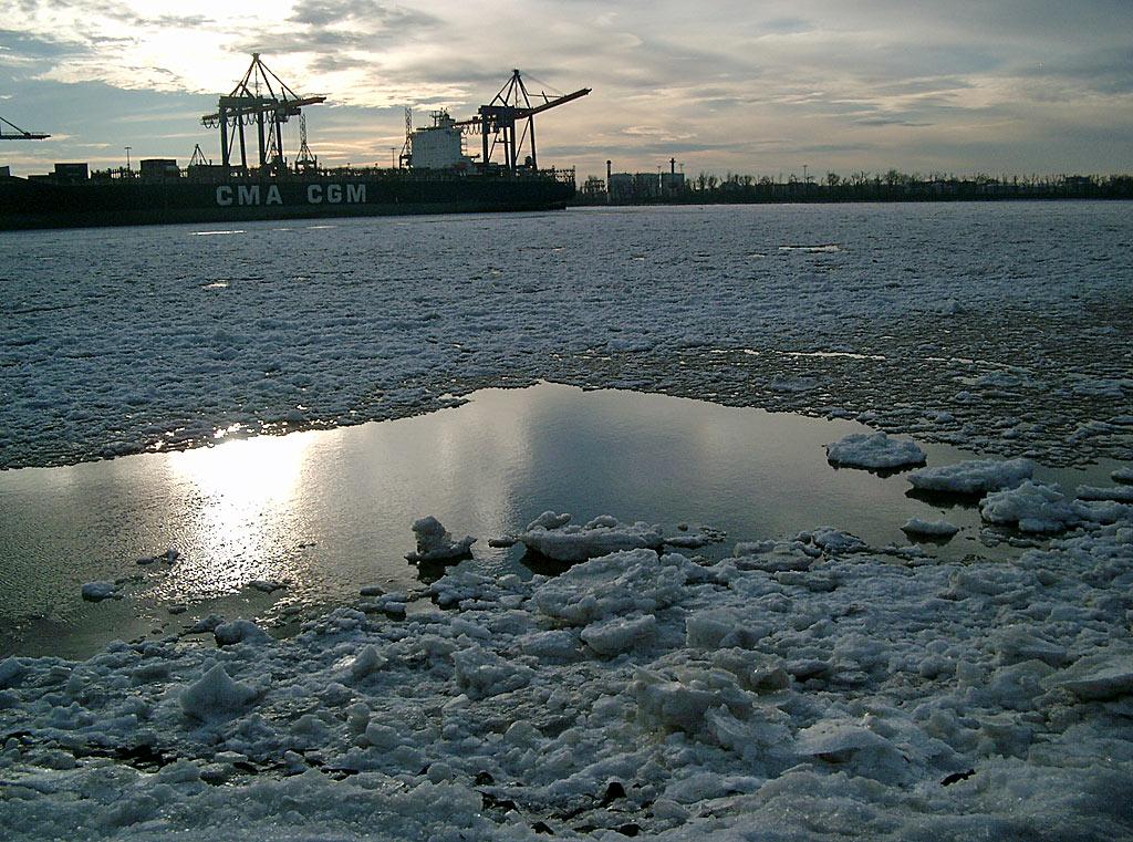Elbe-Hamburg-Winter - Hintergrundbilder Wallpaper kostenlos