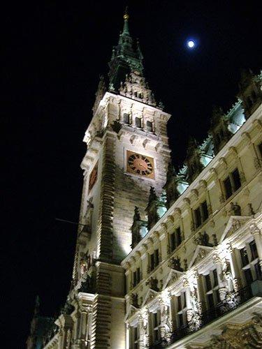 Nachts in Hamburg - Das Hamburger Rathaus