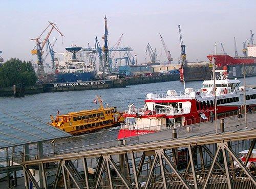Hamburger Hafen - St. Pauli Landungsbrücken