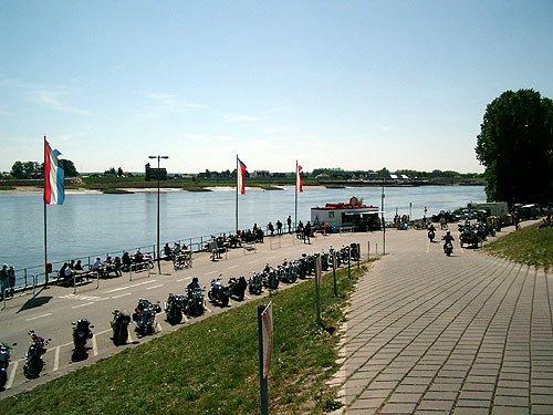 Motorradtreff ander Elbe - Zollenspieker Hoopter - Fähranleger