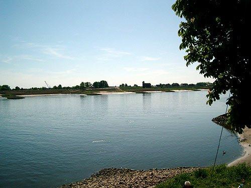 Blick auf die Elbe vom Zollenspieker Fährhaus