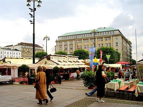 Das Stuttgarter Weinfest zu Gast in Hamburg