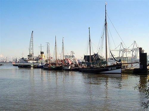 Museumshafen Oevelgoenne - Hamburg