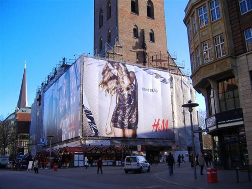 H&M celebrates Christmas - Xmas fashion