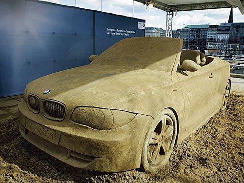 BMW 1er Cabrio aus Sand