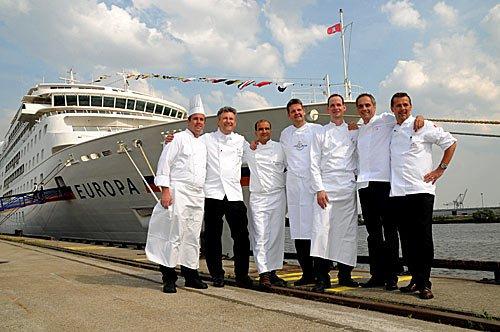 Kreuzfahrt Schiff MS Europa im Hamburger Hafen