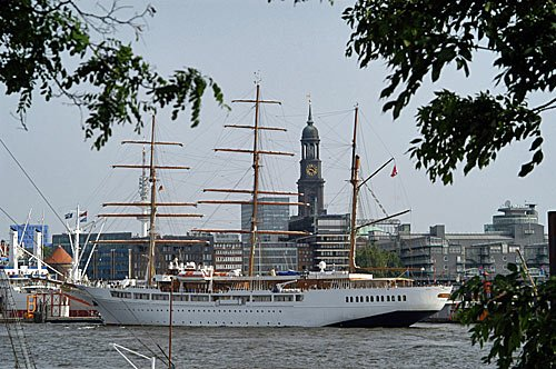 Sea Cloud in Hamburg