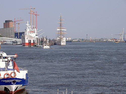 Hamburger Hafen - Hamburg - Landungsbruecken