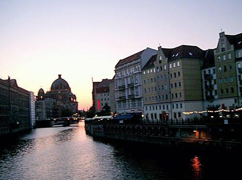 Berlin - Berliner Dom, Spree und Nikolaiviertel