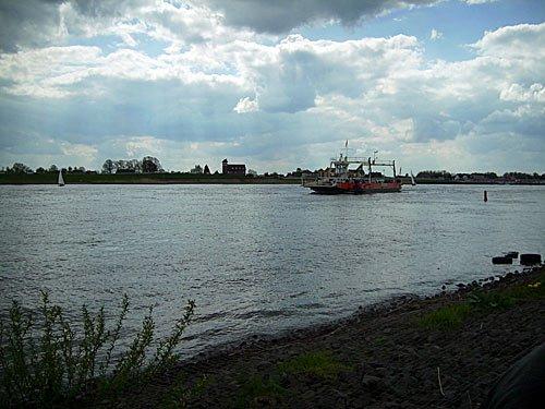 Elbe bei Hamburg Zollenspieker