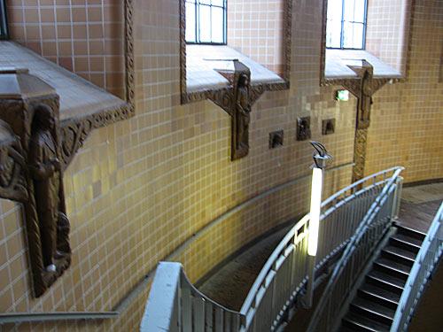 Treppen beim alten Elbtunnel