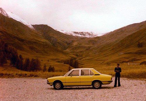 BMW 518 E12 am Col d'Allos in Südfrankreich