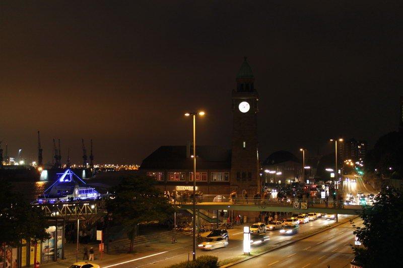 Hamburg St. Pauli-Landungsbrücken